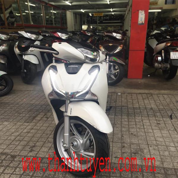SH150i , Việt Nam 2017 , Màu TRẮNG - ĐEN , XE ZIN 99,9% .