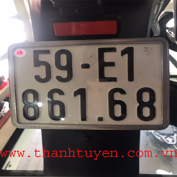 SH150i , xe nhập Ý , Màu Trắng Đen , SM : 111.....Biển số VIP. Xe ZIN 99%.