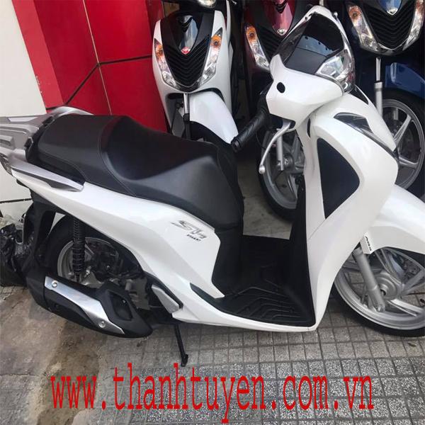 SH150i , Việt Nam 2017 ,Thắng ABS , Màu TRẮNG , Xe ZIN 99% .