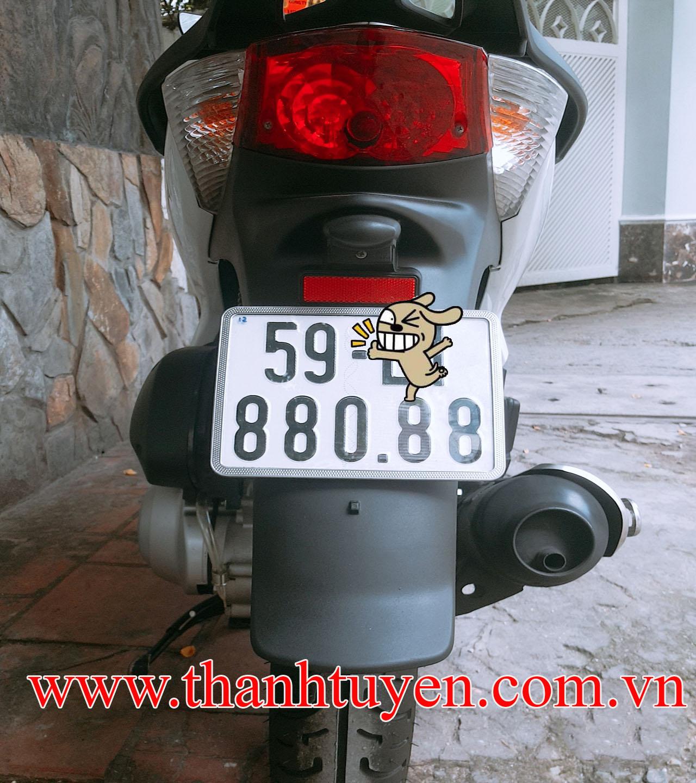 Sh 150i , nhập ý, màu đen trắng, biển số víp 880.88. SM 109, DK 2012.