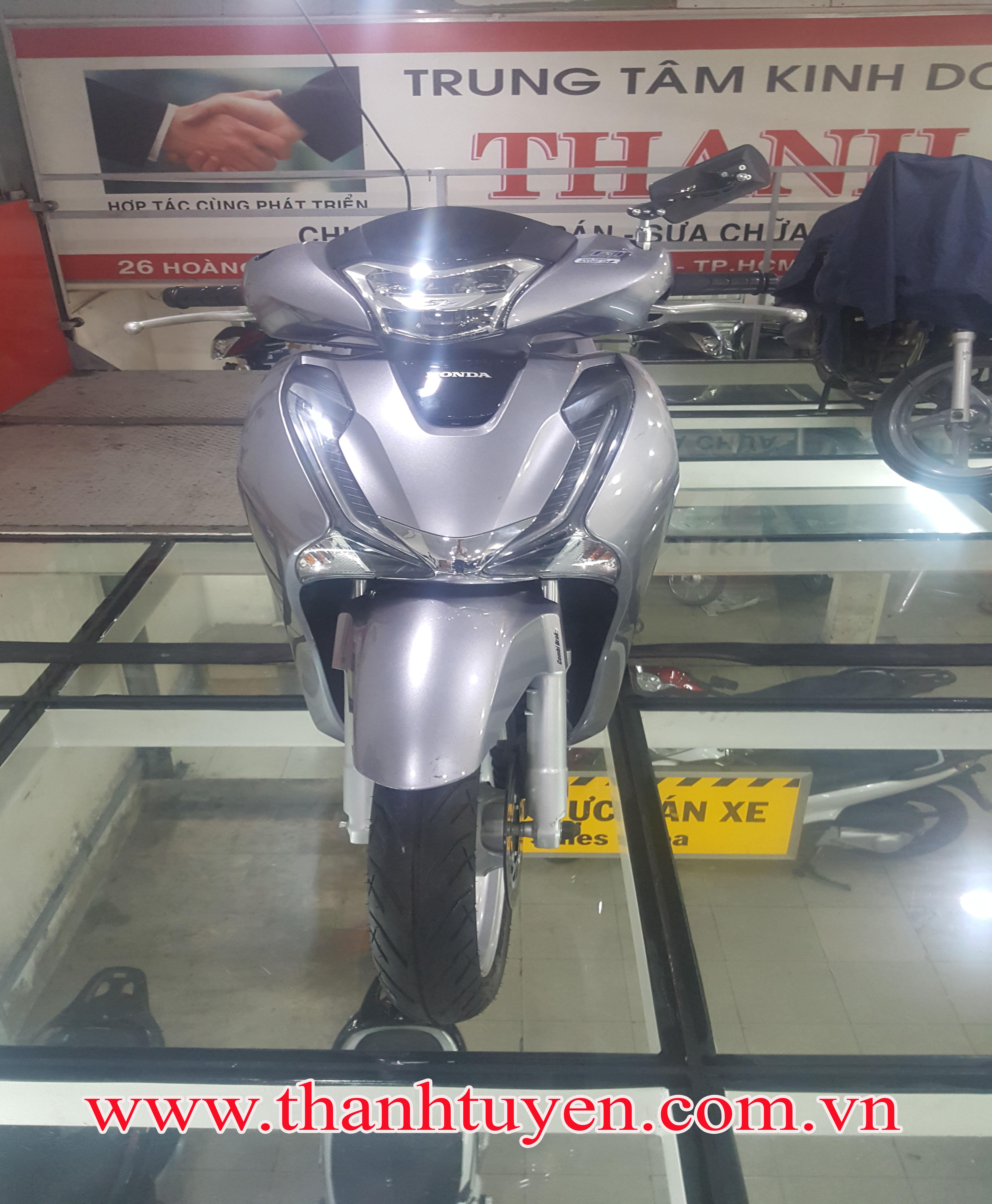 SH150i , Việt Nam 2017 ,Thắng ABS , Màu Bạc , Xe ZIN 99% .
